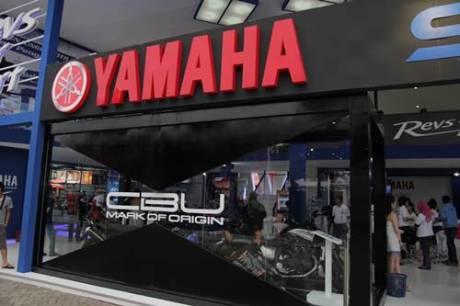 Booth Yamaha Revs Your Heart di Jakarta Fair 2014--