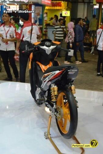 Honda Blade 125 Modifikasi pekan raya jakarta 2014