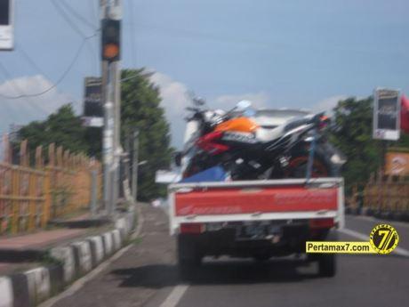 Honda CB150R streetfire Livery Repsol 13