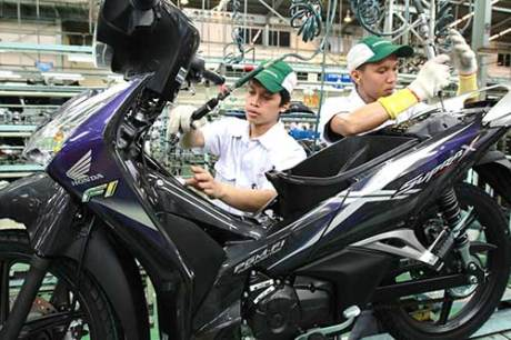 Supra-X125-Helm-In-Warna-Baru-3