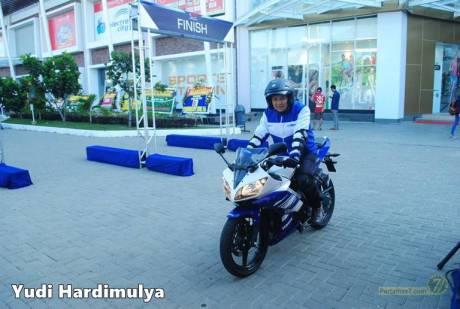 testride yamaha R15