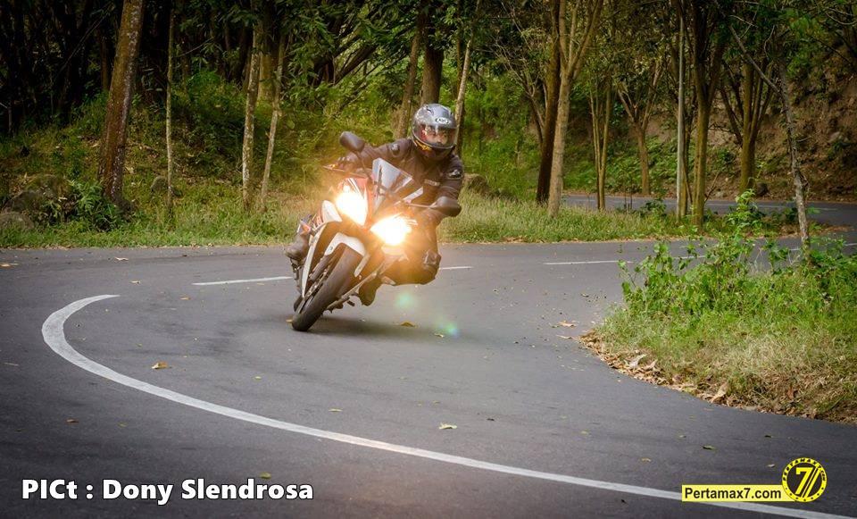 Testride Yamaha YZF-R15 Indonesia 13