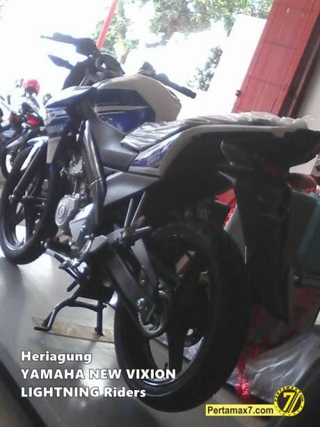 yamaha New Vixion LIghtning livery motogp tampak belakang