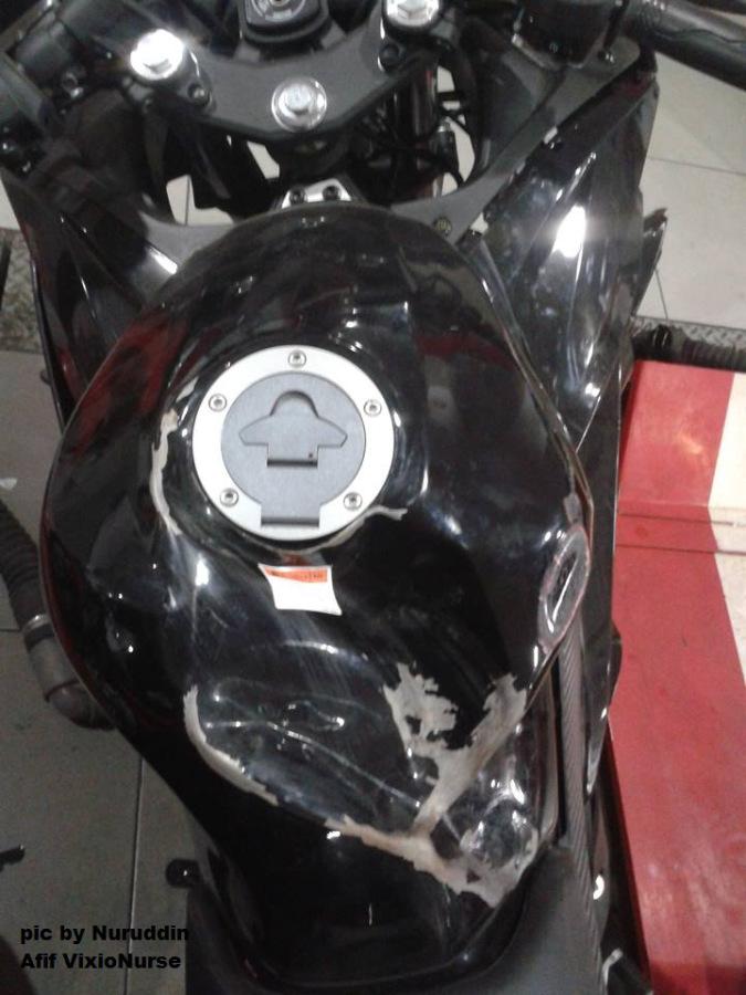 yamaha R15 hancur