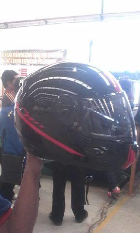 Helm standar Yamaha R25 11
