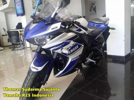 Helm standar Yamaha R25 5