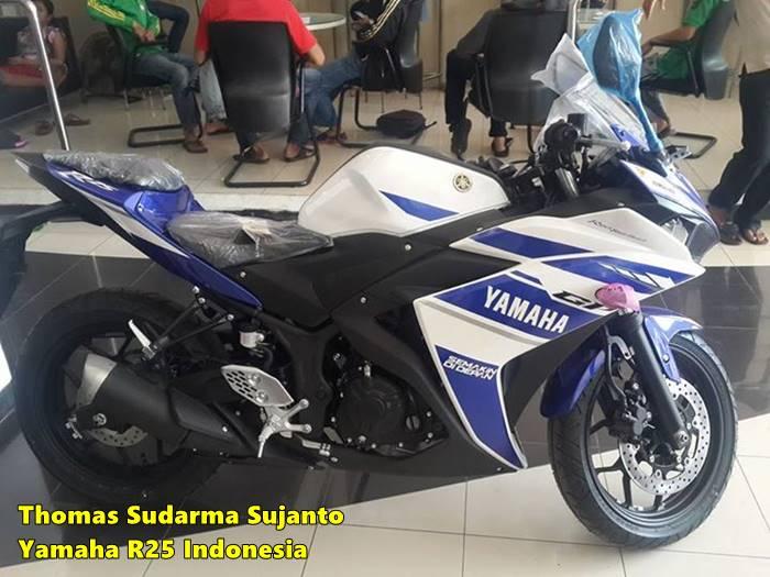 Helm standar Yamaha R25 6