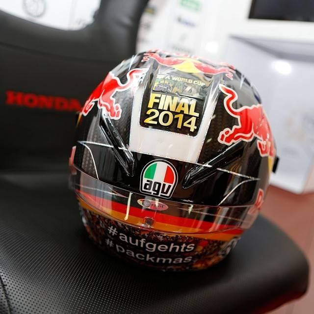 helm stefan bradl dukungan ke team jerman piala dunia 2014