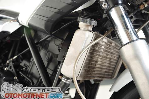 Honda Tiger Revo pakai mesin Honda CBR250R 4