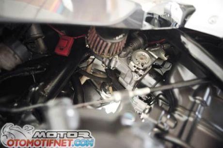 Honda Tiger Revo pakai mesin Honda CBR250R 5