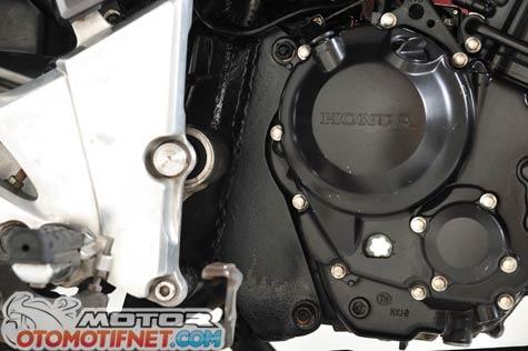 Honda Tiger Revo pakai mesin Honda CBR250R 6