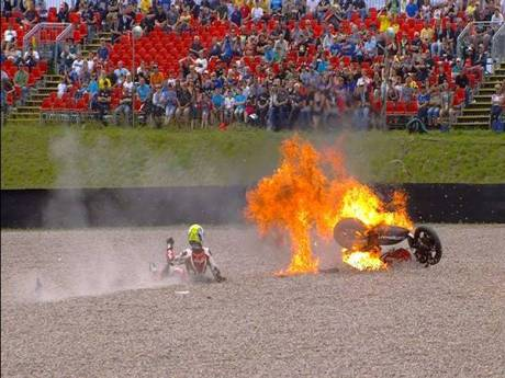 Johan Zarco Burned on Moto2 germany 2014 10540346_10152685422300769_4474455681319488026_n