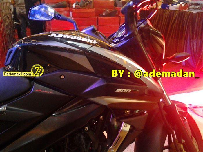 Kawasaki Pulsar 200NS Indonesia tanpa nama bajaj 5