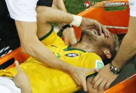 Neymar Cedera Tulang Belakang di Brazil  4