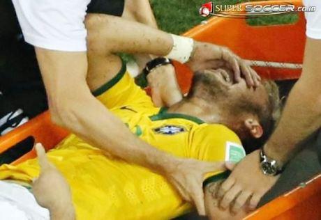 Neymar Alami Retak Tulang Belakang Saat Perempat Final Piala Dunia 2014 Melawan Kolombia