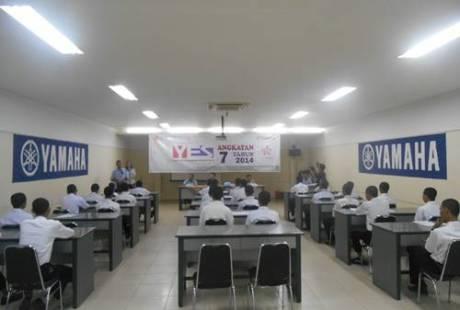 PEMBUKAAN YAMAHA ENGENEERING SCHOOL (YES 7 SURABAYA) 3