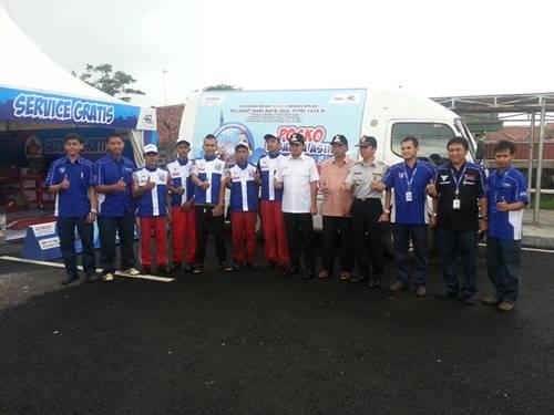 Tim Pos Jaga Yamaha bersama Walikota Bogor Bima Arya saat cek persiapan