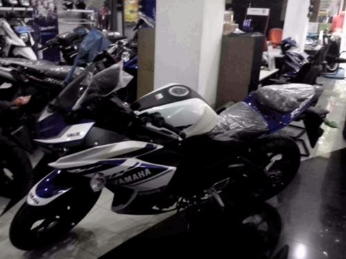 Yamaha YZF-R25 dikirim ke konsumen 12 pertamax7.com