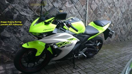 Yamaha YZF-R25 warna hijau stabilo 0