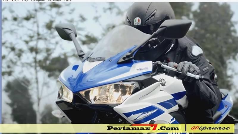 helm AGV di iklan yamaha R25