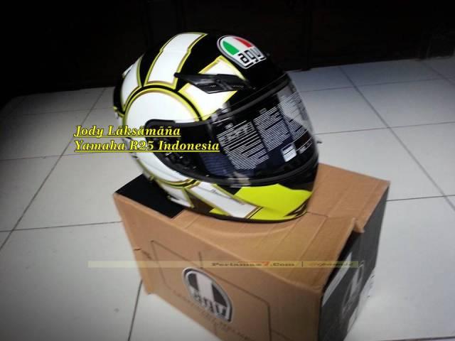 Helm AGV K3 Gotic Black Hadiah yamaha R25 1