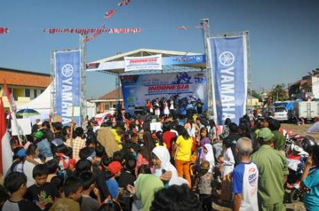 Masyarakat di event Indonesia Semakin di Depan Bakti 40 Tahun Yamaha untuk Negeri di Bandung