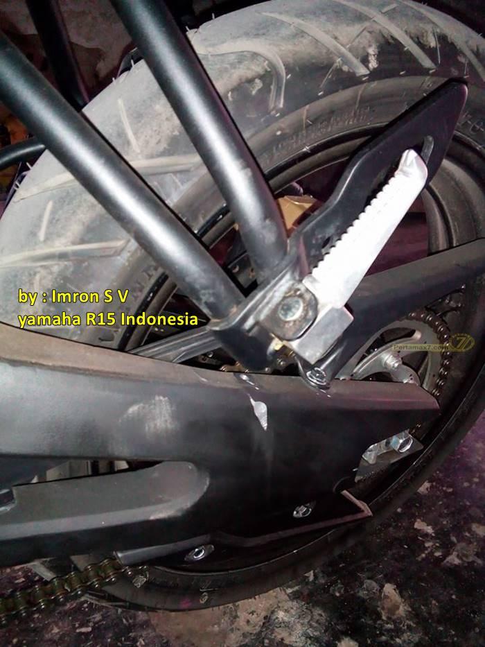 memendekkan yamaha r15 berakibat swing arm lecet pertamax7.com 4