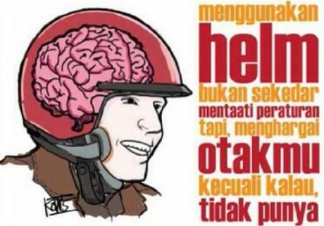 pakai helm hargai otakmu