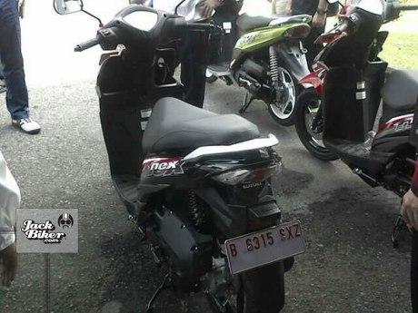 Suzuki-Nex-2015-01