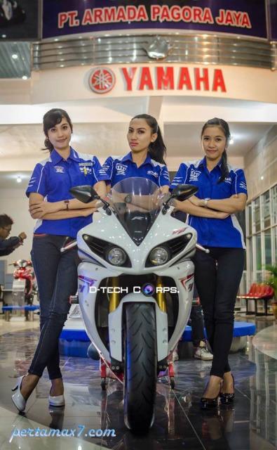 yamaha YZF-R1 armada motor show 2014