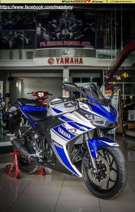 Yamaha YZF-R25 Blue pertamax7.com Indonesia 29