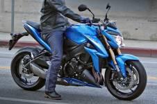 2015-suzuki-gsx-s1000-high-resolution-pics-show-bike-ready-to-roll-photo-gallery_2