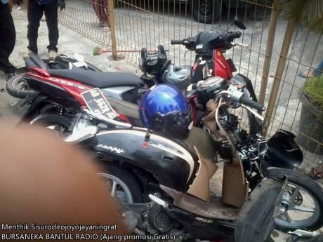Kecelakaan Beruntun di pasar kuncen yogyakarta 5