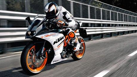 KTM RC 390 on track