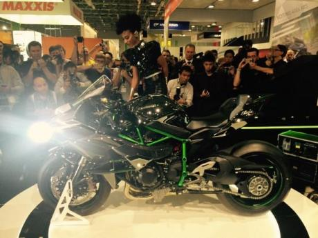 launching kawasaki ninja H2R intermot germany