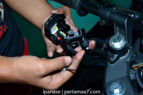 mematikan AHO Yamaha R15 dengan saklar Old Vixion 12