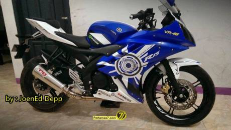 Modifikasi Yamaha R15 main cutting sticker 0