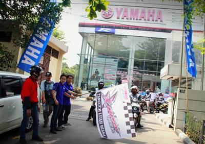 Peserta X-Ride Touring Tangguh Luar Biasa start dari Yamaha DDS 1 Cempaka Putih