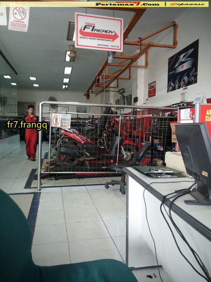 Pit khusus R series dipakai service yamaha Non R series 0