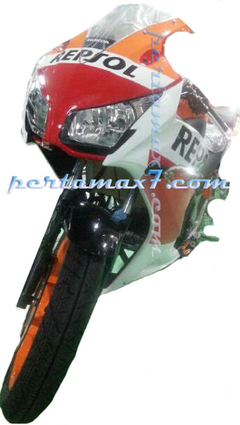 tampak muka all new Honda CBR150R Indonesia 2015