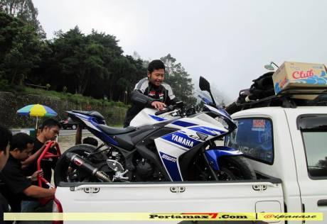 Yamaha YZF-R25 Indonesia