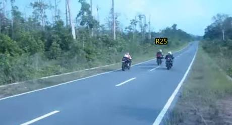 adu drag test yamaha R25 vs Kawasaki Ninja 250 2