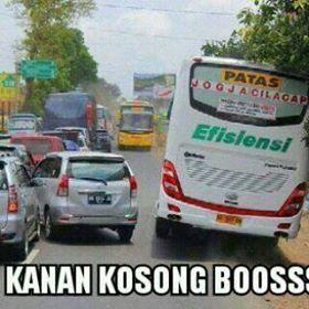 Aksi Ngeblong nekat Bus antar provinsi  2
