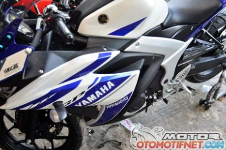 deltabox-Yamaha-YZF-R251