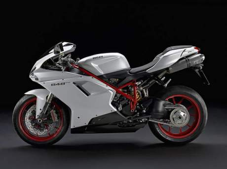 Ducati 848 Evo 11 b