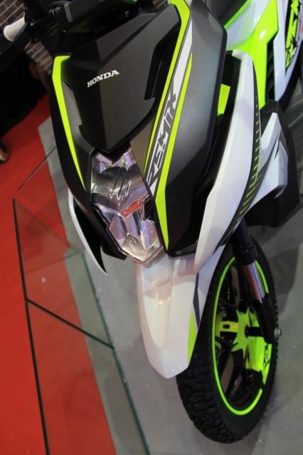 headlamp Honda remix
