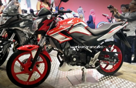 Honda Cb150R striping baru Facelift 2015 2