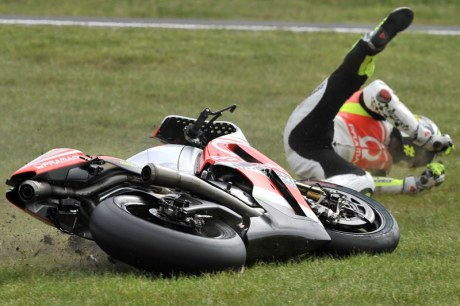 iannone_crash philip island 2014