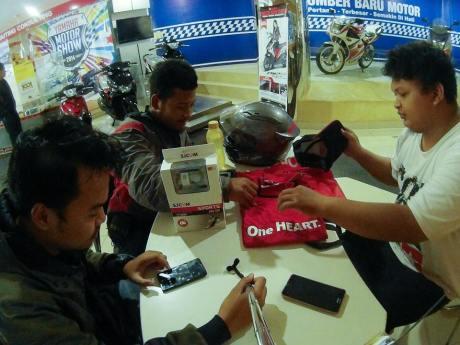 pertamax7.com buka kaos honda di dealer yamaha
