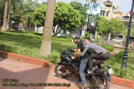 posisi bonceng yamaha R15 vietnam